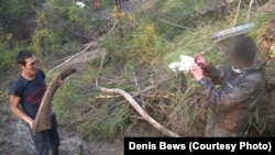 Охотники за бивнями нашли рог шерстистого носорога. Местонахождение Юннюген