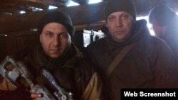 Итальянский боевик Массимилиано Каваллери (слева) с главарем группировки «ДНР» Александром Захарченко