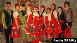 21нче мәктәп укучылары укытучылары Мәүлидә Фәйрүзова белән