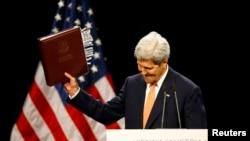 Дзяржсакратар ЗША Джон Кэры абвяшчае пра дасягненьне дамоўленасьці з Іранам. Вена, Аўстрыя, 14 ліпеня 2015 году