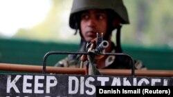 Ushtar indian në Kashmir.