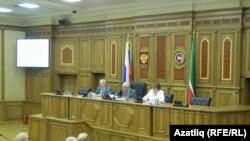 Парламент тыңлауларында Разил Вәлиев, Фәрит Мөхәммәтшин һәм Римма Ратникова