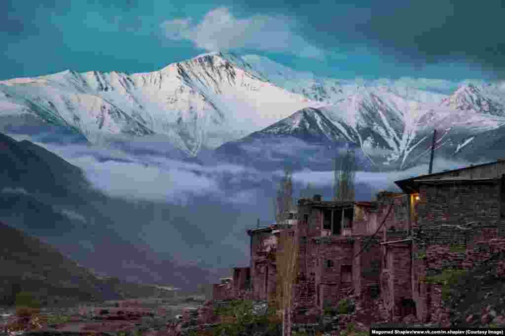 В этих каменных домах жили еще многие предки обитателей древнего села Шиназ в Южном Дагестане.