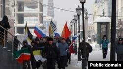"""Рус милли активистлары """"Рус маршы""""на кадәр 2011 елның февралендә """"Руслар сәламәт тормыш өчен"""" йөрешен үткәргән иде."""