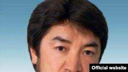 Депутат мажилиса парламента Бекболат Тлеухан. Фото с официального сайта парламента Казахстана.