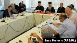 Sa okruglog stola o zakonu o slobodi vjeroispovijesti, Podgorica, 1. septembar 2015, foto: Savo Prelević