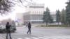 Центр Луганска заняли неизвестные вооруженные люди