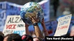 Protestë për ndryshimet klimatike. Fotografi nga arkivi.
