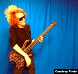 …і кампактная бас-гітара