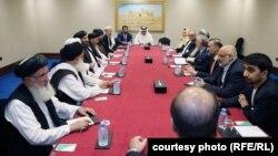 گفتگوهای هیئت عالی رتبه حکومت افغانستان با طالبان در قطر