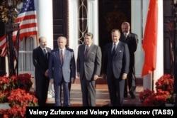 Михаил Горбачев и Рональд Рейган. Нью-Йорк, 1988 год