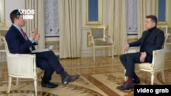 Президент України Володимир Зеленський під час розмови, яку дивилися глядачі HBO