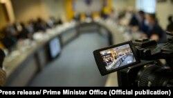 Fotografi e bërë gjatë një mbledhjeje të Qeverisë së Kosovës.