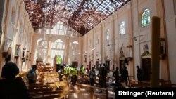 После взрыва в одном их храмов на Шри-Ланке, 21 апреля 2019 года.