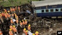 Aksident me tren në Indi