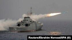 Перший іранський фрегат власного виробництва «Джамаран» під час ракетних стрільб вразив своє військове судно (архівне фото)