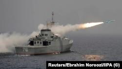 Пуск крылатой ракеты «Нур» с фрегата «Джамаран», архивное фото