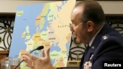 Филип Бридлав, генерал, командующий силами НАТО в Европе.