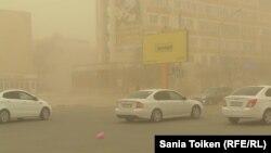 Пыльная буря в Актау. 29 марта 2015 года.