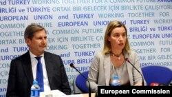 Potpredsjednica Evropske komisije i šefica diplomatije EU Federika Mogerini i komesar sa susjedsku politiku Johanes Han