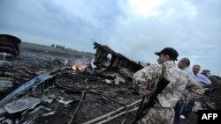 Уламки «Боїнга-777», що впав на Донеччині, 17 липня 2014