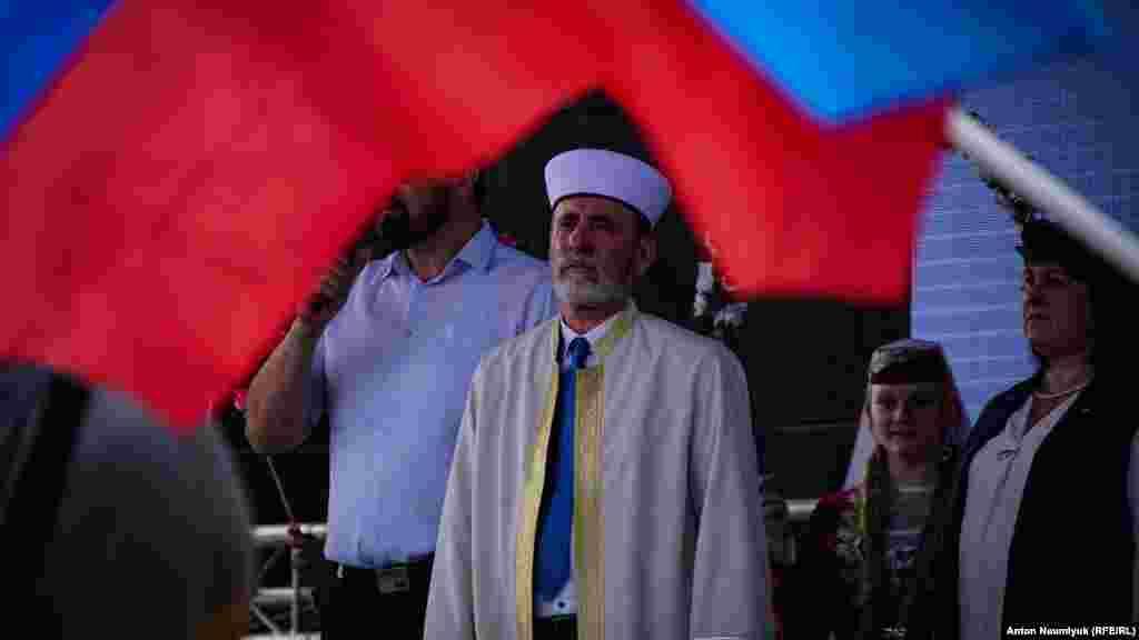 Підконтрольний Росії муфтій Еміралі Аблаєв подякував Сергію Аксенову за «все, що він зробив для Криму і кримських татар» за чотири роки