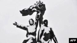 Памятник российско-украинской дружбе в Киеве: идеологема прошлого или будущего?