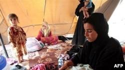 Внатрешно раселени лица во камп за бегалци
