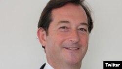 Британски амбасадор во Ирак ќе биде Николас Хоптон.