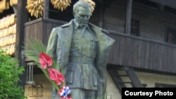 Spomenik Titu u selu Kumrovec, Hrvatska