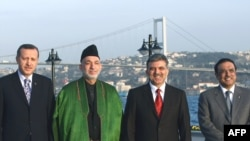 Түркия -- Президент Абдулла Гүл, премьер-министр Режеп Тайып Эрдоган Ооган жана Пакистан президенттери менен