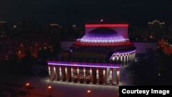 Новая подсветка новосибирского Оперного театра в тестовом режиме
