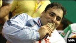 """""""کاظم رجبی"""" دردسته 100+ کیلوگرم با بالای سربردن وزنه 5/255 کیلوگرم به مدال طلای این رقابت ها دست یافت."""