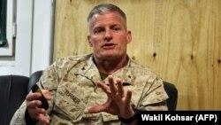 افغانستان کې د امریکا د پلیو سمندري ځواکونو یو قوماندان برید جنرال راجر ټرنر