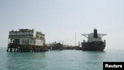 منصة في ميناء البصرة العراقي