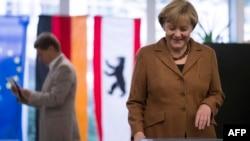 Անգելա Մերքելը քվեարկում է Գերմանիայի խորհրդարանական ընտրություններում, Բեռլին, 22-ը սեպտեմբերի, 2013թ.
