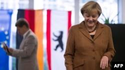 Ангела Меркель голосует в Берлине
