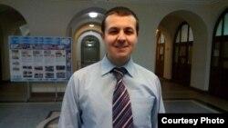 """Тылмач"" лингвистик ярдәм күрсәтү хезмәте җитәкчесе Ренат Латыйпов"