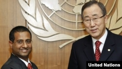 The UN's special rapporteur on human rights to Iran, Ahmed Shaheed (left), with UN Secretary-General Ban Ki-moon (file photo)