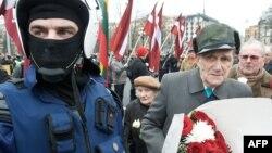 Шествие ветеранов Латышского легиона Ваффен СС в Риге. Архивное фото
