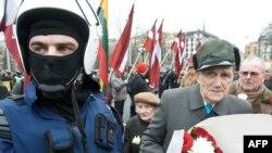 В прошлом году ветераны латвийского легиона СС уже провели шествие на улицах Риги.
