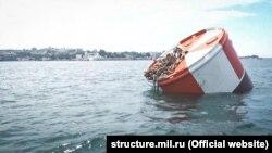 Швартовая бочка в Севастопольской бухте, 14 июля 2018 года