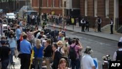 Журналісти біля лікарні Сент-Мері, Паддінґтон, західний лондон, 22 липня 2013 року