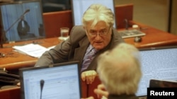 Radovan Karadžić u sudnici, 2011.