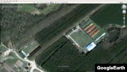 Машинный двор (нижний левый угол) и подсобное хозяйство (ближе к правому краю, крупно) КПОГАТ