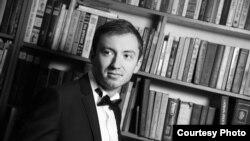 Петр Соловарев