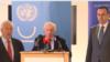 Медијаторот Метју Нимиц со преговарачите Васко Намовски и Адемантиос Василакис