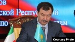 Конституциялық кеңес мүшесі Асхат Дауылбаев.