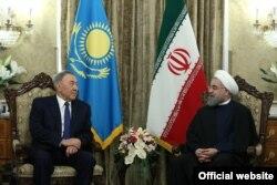 Президент Казахстана Нурсултан Назарбаев и президент Ирана Хасан Роухани. Тегеран, 11 апреля 2016 года.