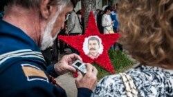 С «Бессмертным полком» и салютом: День Победы по-крымски